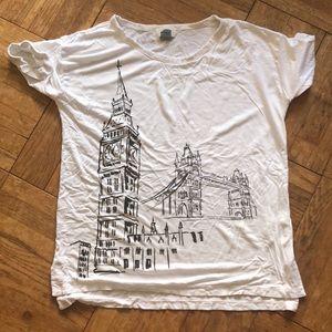 Tops - ‼️DONATING BY 10/24‼️ London sketch tshirt
